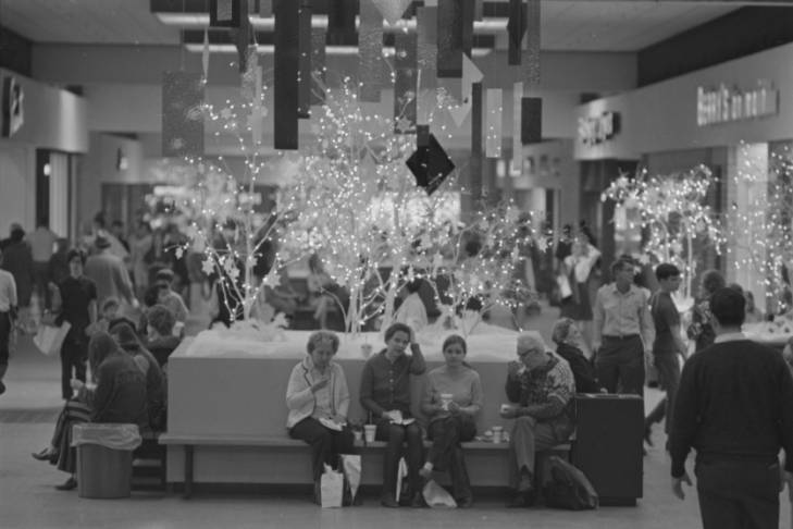 Christmas shoppers at Dutch Square Mall