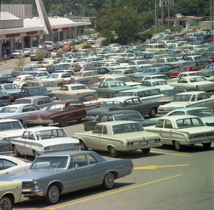 Cars in the Richland Mall parking lot