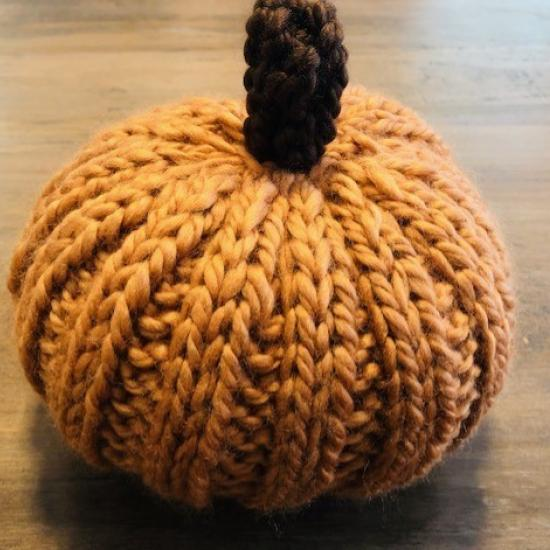 Finished knitted pumpkin